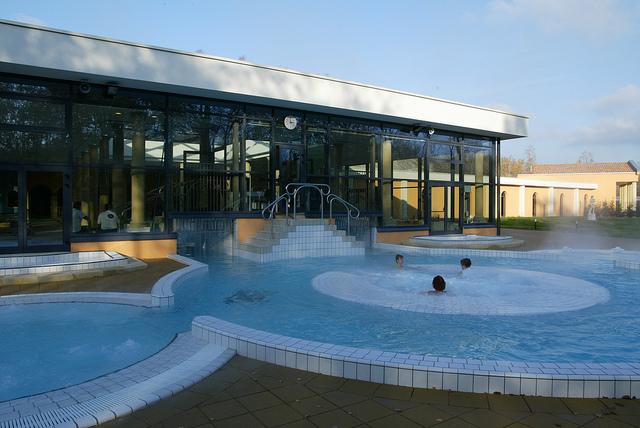 Snowhall amneville gites de l 39 austrasie for Amneville les thermes piscine